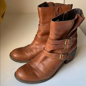 Waterproof leather booties by hush puppies 8.5